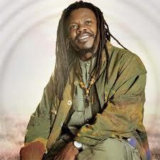 Reggae Singer Luciano - The Messenger