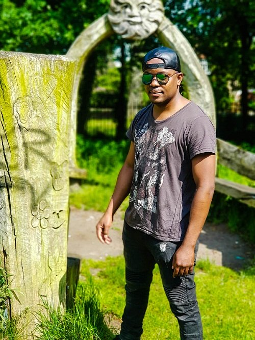 'Si Wina' Pushes Nic Thindwa To Front Line