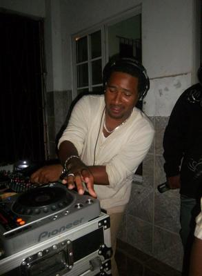 DJ CARSON